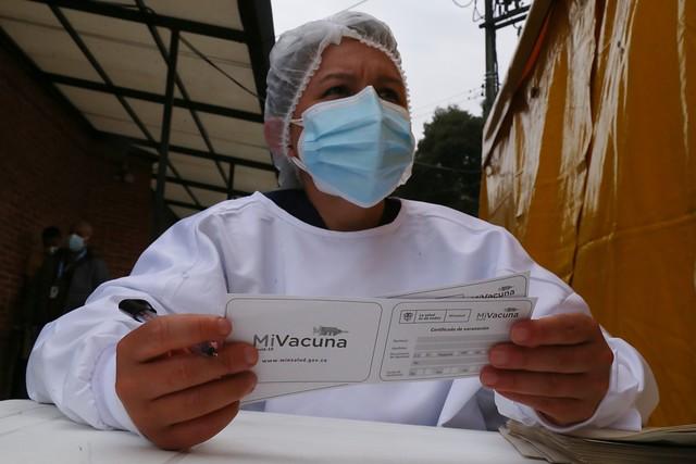 Gremio farmacéutico, listo para respaldar producción de vacunas contra la Covid en Colombia