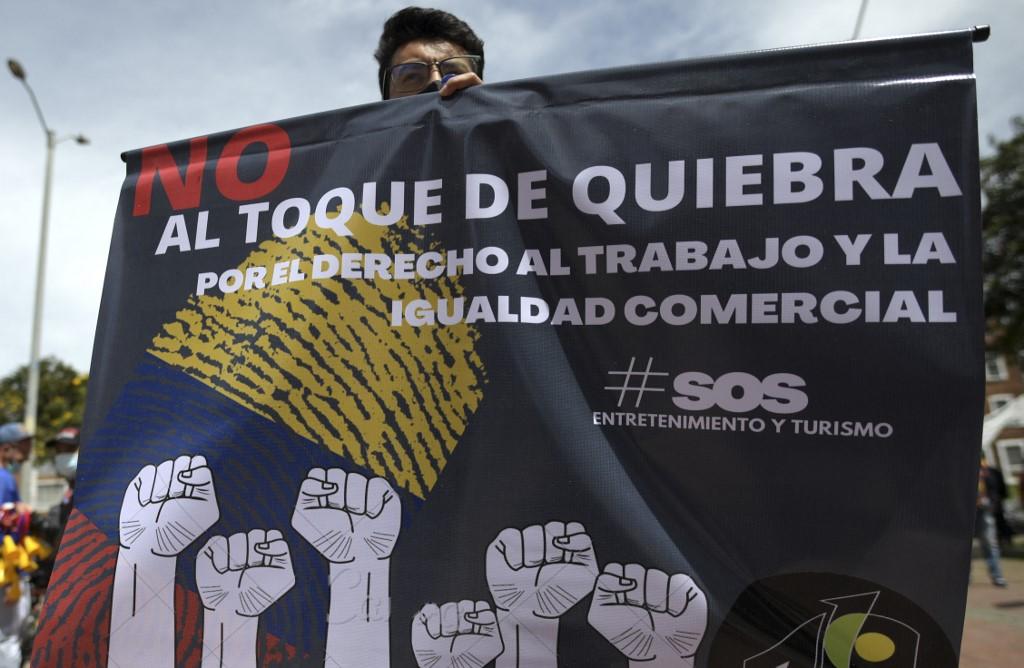 Coronavirus en Colombia - Protestas contra medidas restrictivas al comercio.
