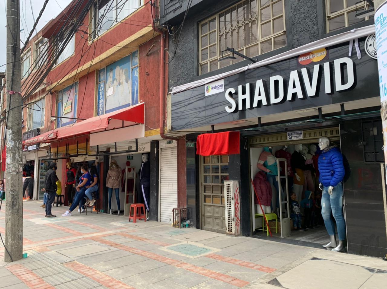 Comerciantes abren locales en Suba, pese a la cuarentena general