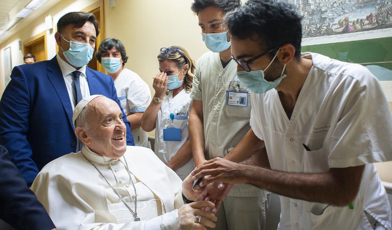 Papa Francisco hospitalizado