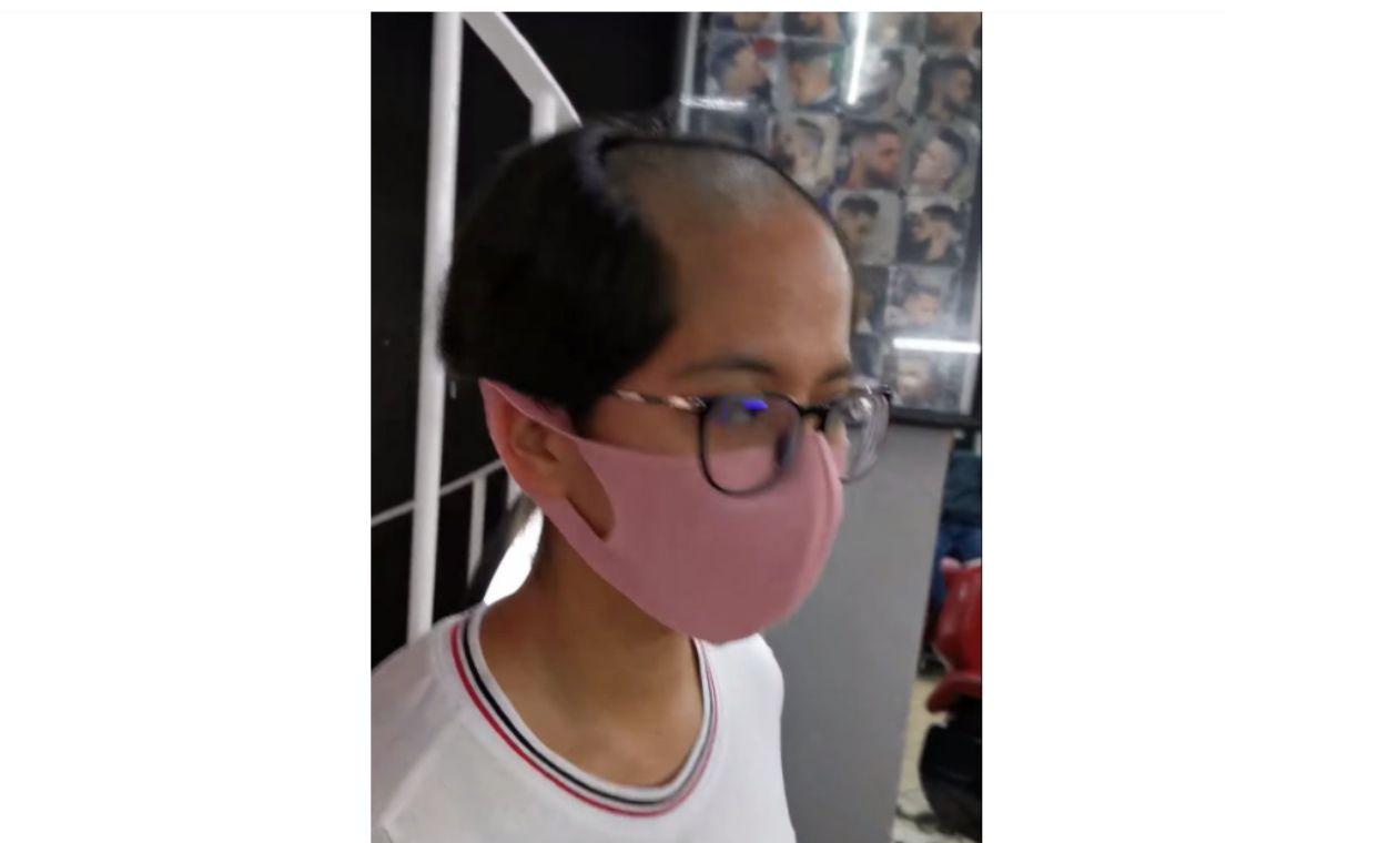 Joven rebelde se cortó cabello como señor Burns y su padre la devolvió a la peluquería