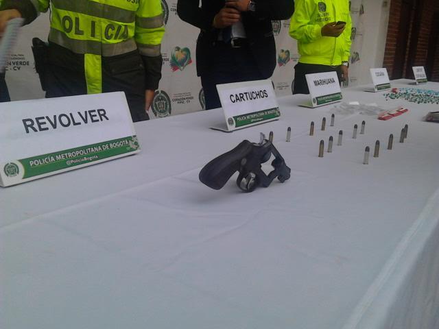Armas Policia