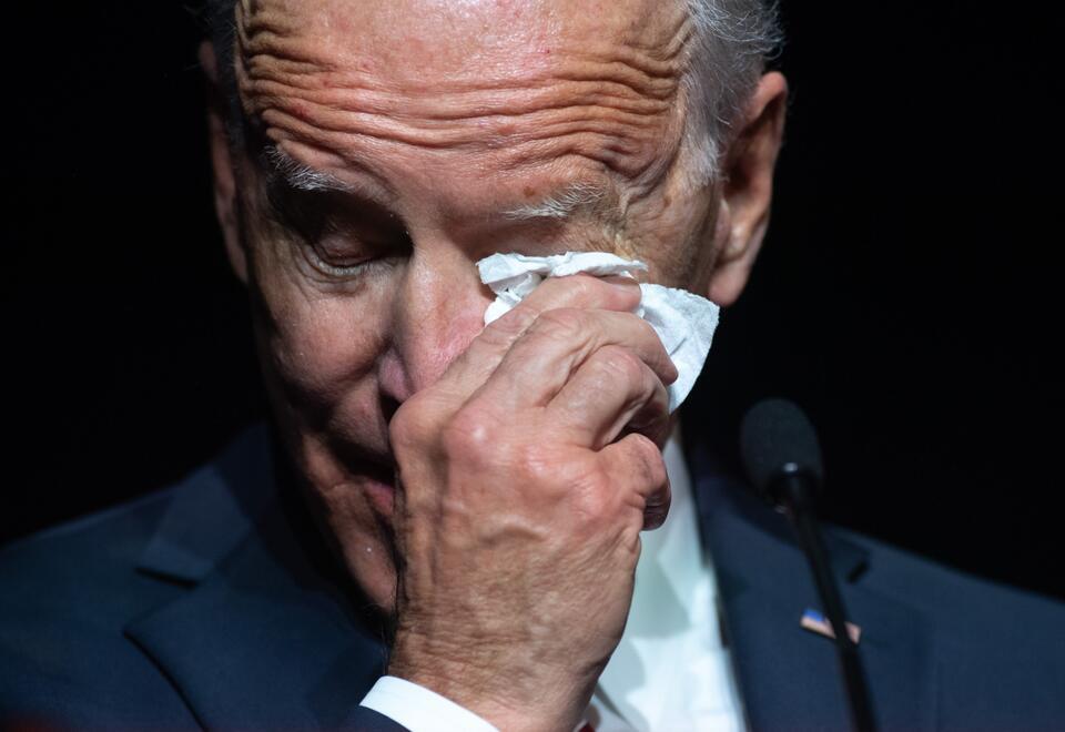 Joe Biden llora al recordar a su hijo Beau