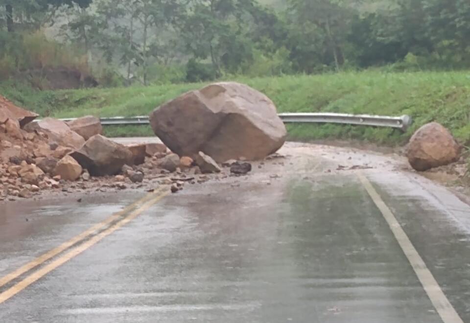 Deslizamiento de rocas en Risaralda.