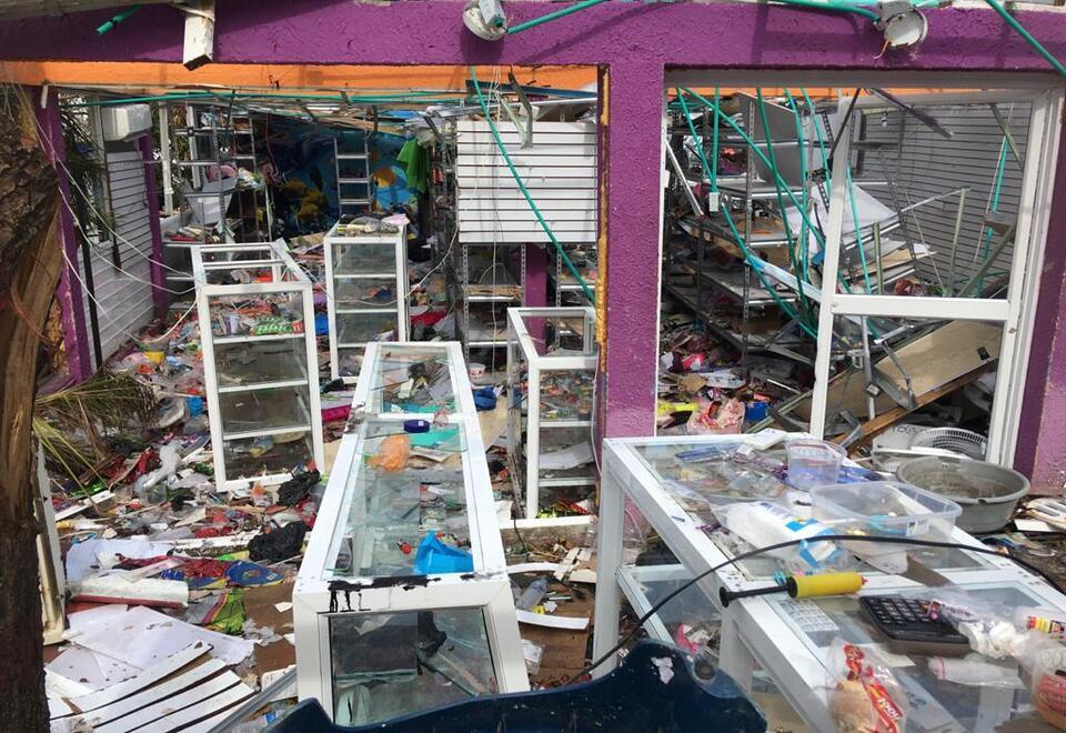 Comerciantes de Providencia y Santa Catalina en la ruina