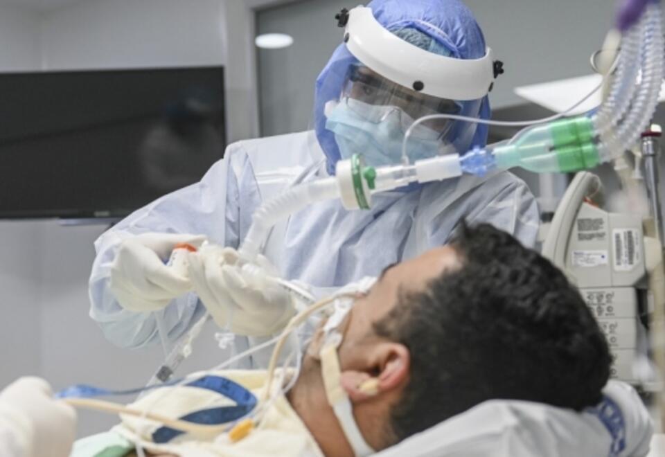 Antioquia extendió la alerta roja hospitalaria hasta el 30 de abril debido a la alta ocupación de cuidados intensivos.