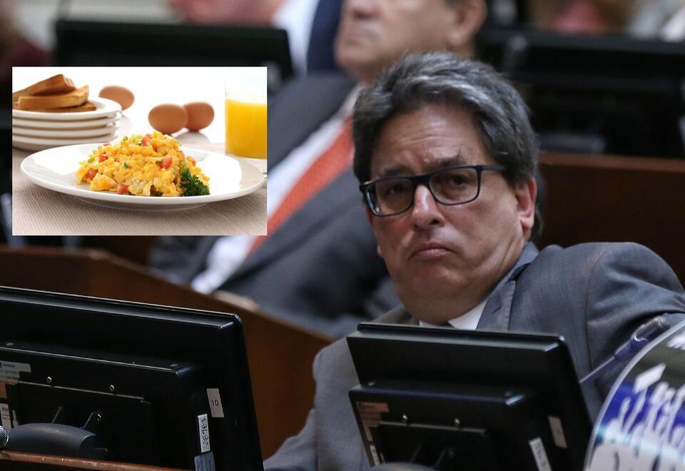 Ministro de Hacienda, Alberto Carrasquilla, no sabe cuánto vale un huevo