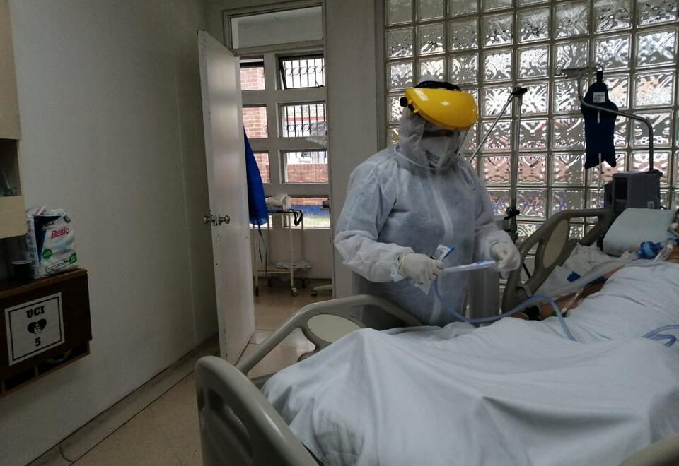 Paciente covid atendido por fisioterapeuta