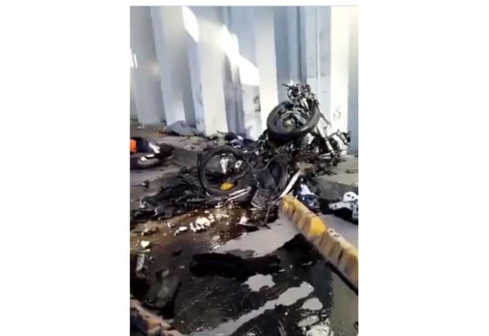 Tragedia en Bogotá: Vehículo le cae encima a motociclistas en deprimido de la 94