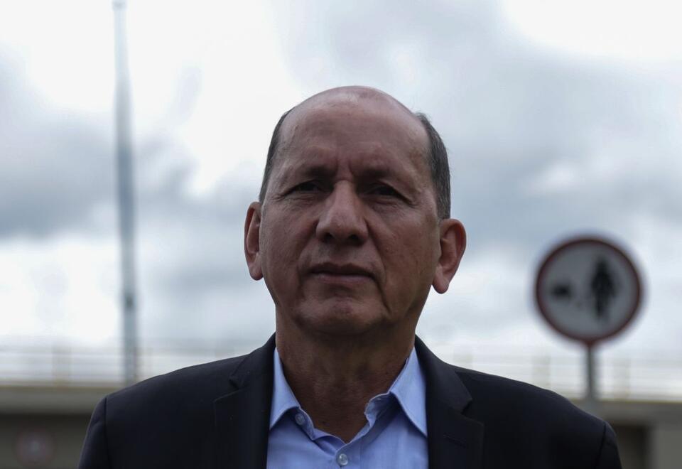 El general Luis Mendieta criticó el tema de curules de paz