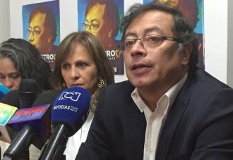 Ángela María Robledo y Gustavo Petro