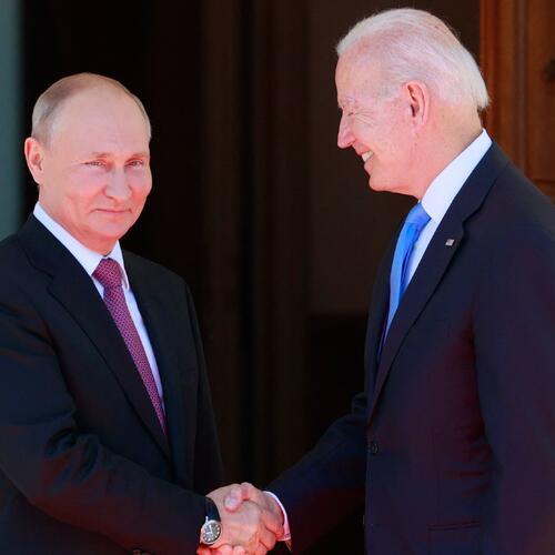 Putin y Biden se estrechan la mano en Ginebra