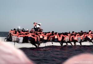 Migrantes africanos en el Mediterráneo.