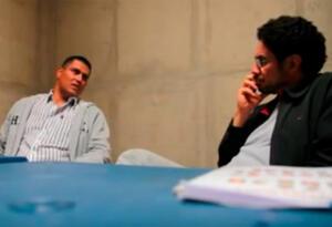 Juan Guillermo Monsalve e Iván Cepeda el 16 de septiembre de 2011 en la cárcel de Cómbita, en Boyacá