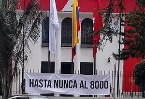 Pancarta ubicada en el Partido Liberal
