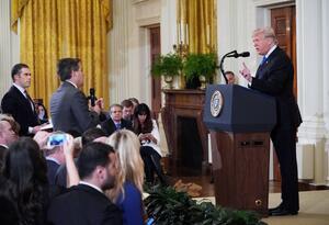 Donald Trump y Jim Acosta periodista de CNN