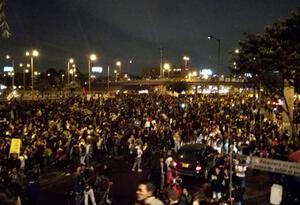 Transmilenio bloqueado en medio de protestas al norte de Bogotá