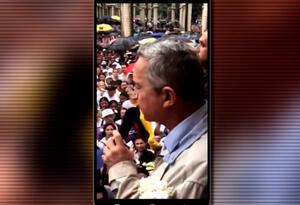 El expresidente Álvaro Uribe en el documental denominado La negociación