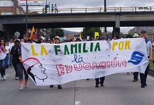 Los manifestantes le exigieron al gobierno nacional que destine los recursos necesario para que se garanticen las clases