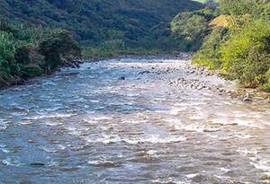 Organismos de socorro de Caldas encuentran cadáver un adolescente en un río de esa región