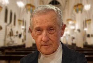 Padre Arturo Silva