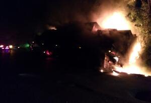 Foto referencial quema de camiones en Antioquia.