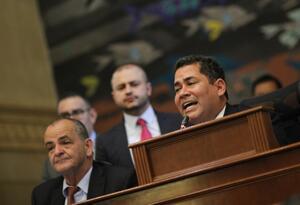 Carlos Chacón, en plenaria.
