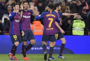 Messi, Suárez y Coutinho celebrando un gol con el FC Barcelona