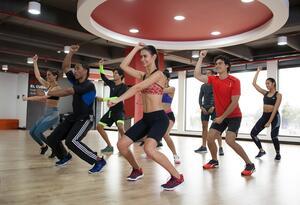Grupo de personas haciendo ejercicio