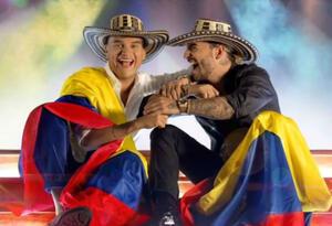 Silvestre Dangond y Maluma cantan juntos Vivir bailando.