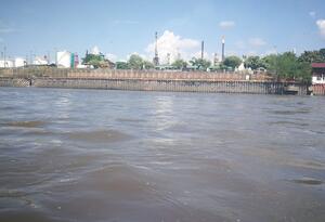 Vista de Barrancabermeja desde el Magdalena