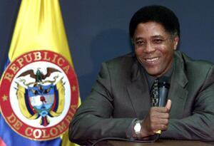 Francisco Maturana en una rueda de prensa de 2001