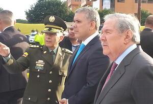 (De izq a der) Director de la Policía Nacional, general Óscar Atehortua, el presidente Iván Duque y el ministro de Defensa, Guillermo Botero.