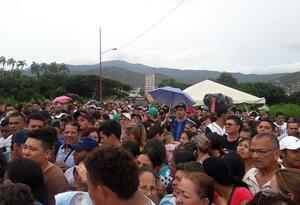 Venezolanos en la frontera en Cúcuta