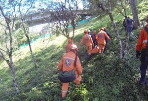 Tras el rescate, los cuerpos fueron trasladados a Medicina Legal.