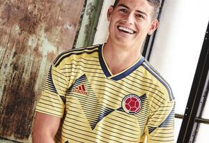 James Rodríguez con la nueva camiseta de la Selección Colombia