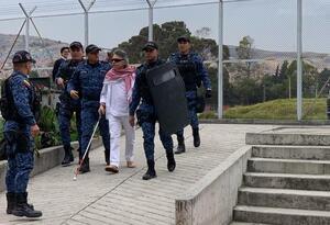 Jésus Santrich (de blanco) en la cárcel La Picota de Bogotá