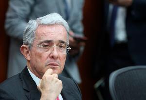 El expresidente Álvaro Uribe en la Comisión Séptima del Senado