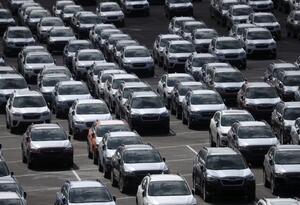 Trump retrasa imposición de aranceles de vehículos importados