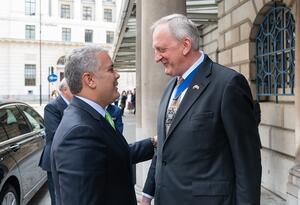 El Presidente Iván Duque es recibido por el Lord Mayor de la Ciudad de Londres,