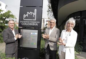 El ministro de Ambiente, Ricardo Lozano, recorre el Distrito Térmico de Medellín.