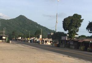 Habitantes de Palomino, manifestaron su preocupación por la falta de control que existe en las vías de acceso.