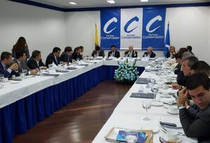 El expresidente Pastrana con el Partido Conservador.