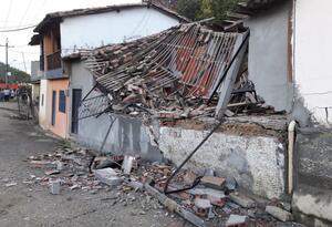 Así quedaron las viviendas colapsadas en Caldas, Antioquia.