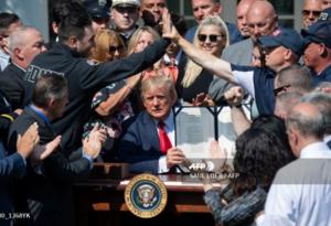 Trump firmó ley que indemniza de por vida a socorristas del 11-S