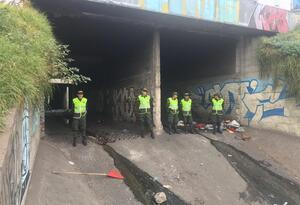 Policía refuerza presencia en canal de la calle sexta con carrera 30