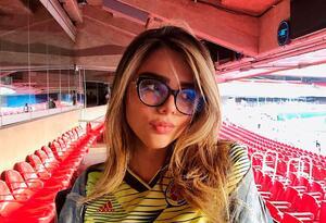 Juana Valentina con la camiseta de la Selección Colombia