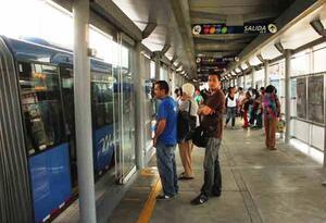 Una mujer fue apuñalada al interior de una estación del MIO cuando se opuso a un hurto