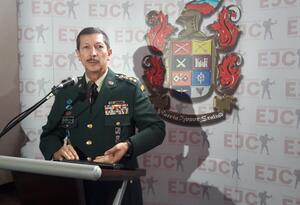 El General Nicacio Martínez, se refirió a supuestas presiones a militares.