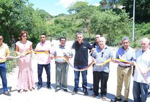 vía que comunica el casco urbano del municipio de Chalán con el corregimiento de La Ceiba